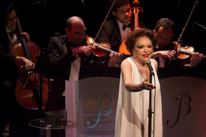 Grande Dame BIBI FERREIRA Returns to New York to Debut 4 x Bibi