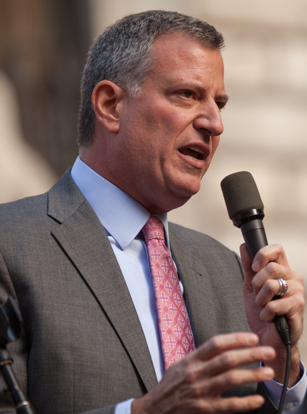 NY MAYOR SUPPORTS THE OBAMA IMMIGRATION EXECUTIVE ORDERS